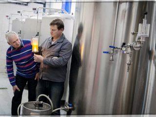 LOTHAR MENS & HANS HÖLBLING | Brauerei Attersee
